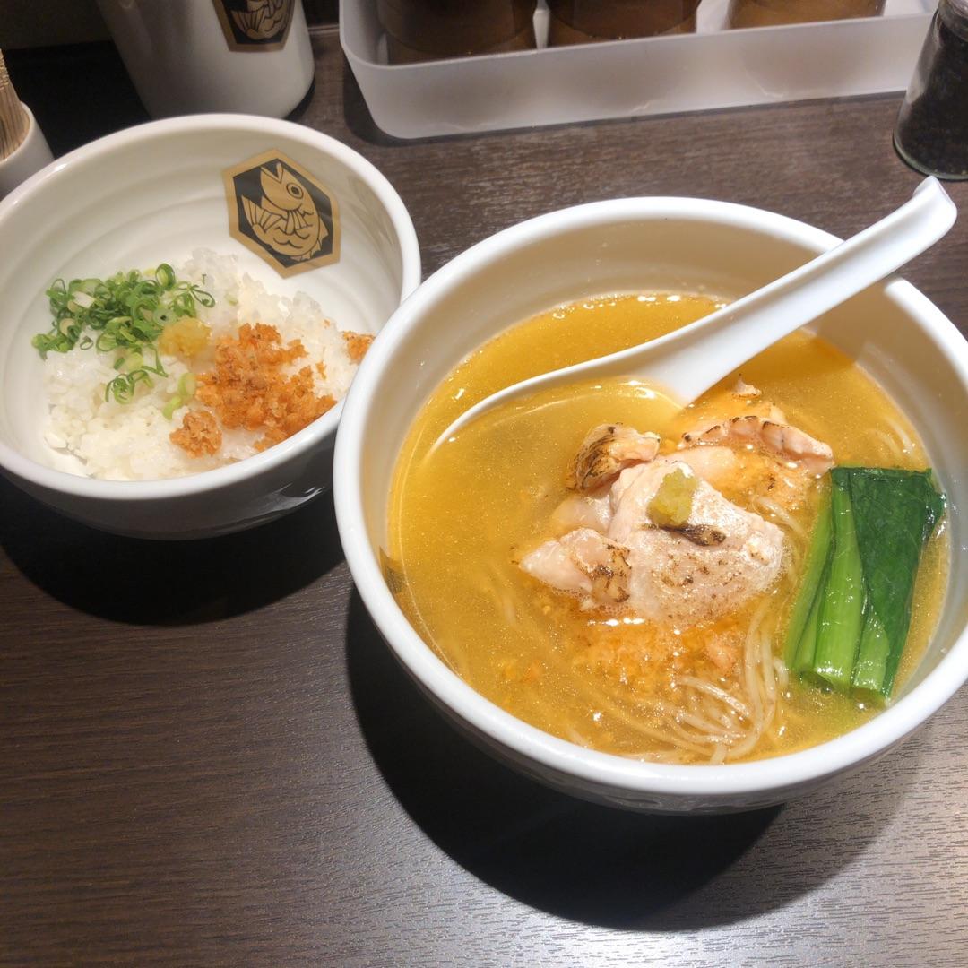 真鯛らーめん 麺魚 神保町店(東京)