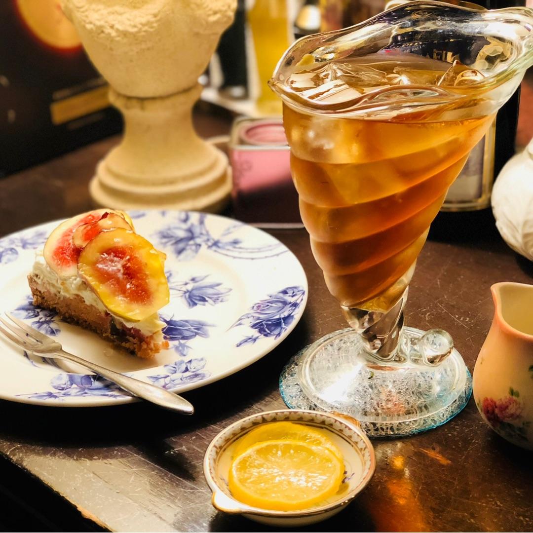 カフェ シャンソニエ アコリット